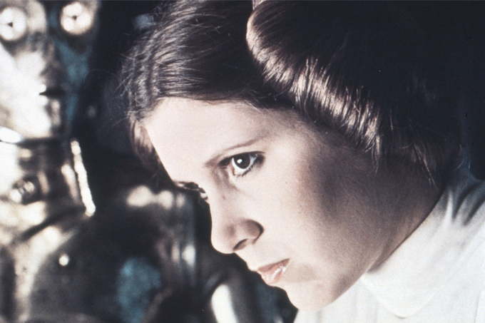 A Princesa Leia e seu típico coque lateral