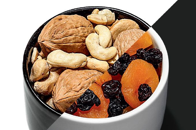 Castanha mais fruta seca