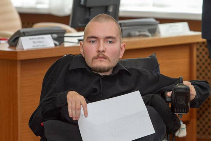 Valery Spiridonov, o russo de 32 anos com a doença de Werdnig-Hoffmann que se voluntariou para o transplante