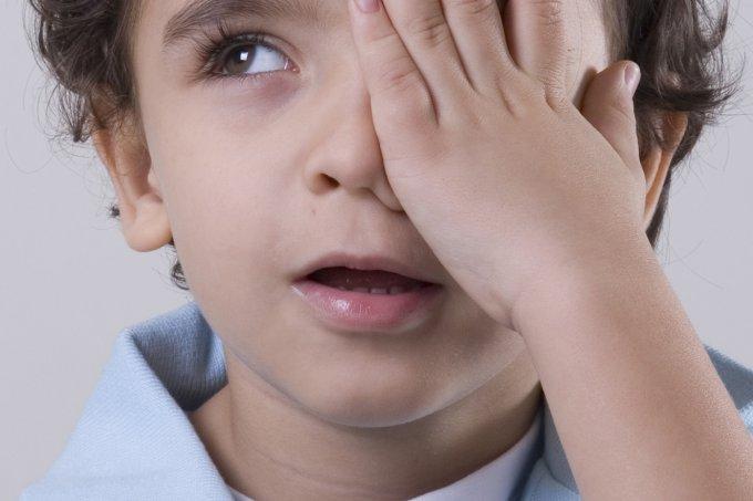 Sintomas de problemas de visão em crianças