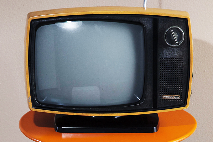 Televisão e idosos: qual o limite?