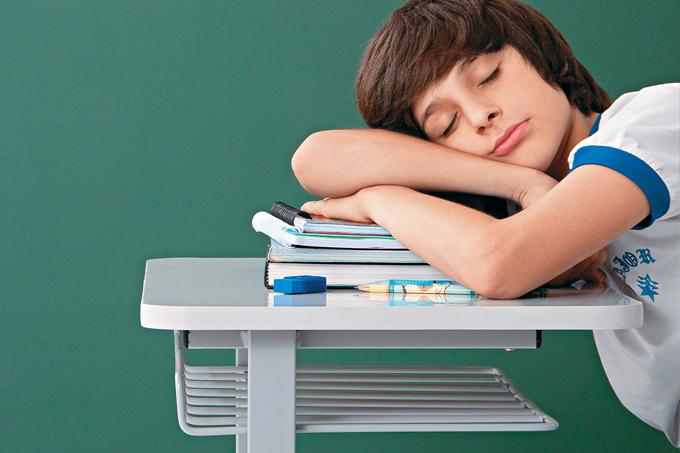 Entrar mais tarde na escola favorece o aprendizado, relatam especialistas