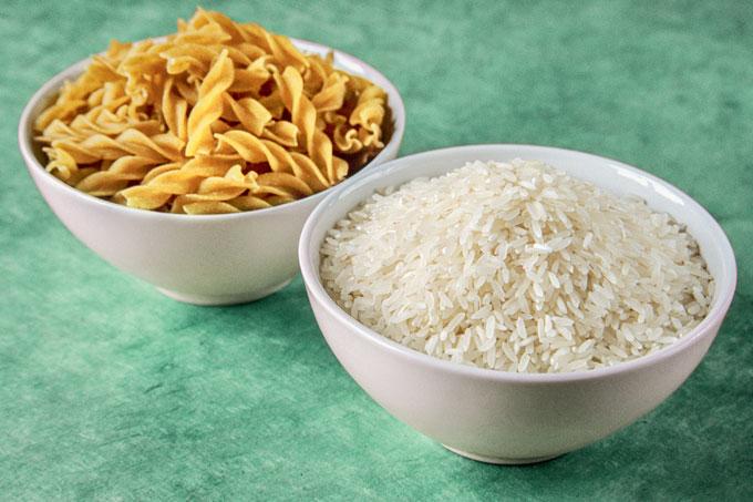 Arroz ou macarrão: qual carboidrato colocar no prato?