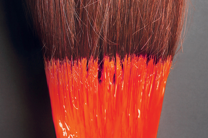 Alisantes de cabelo são proibidos