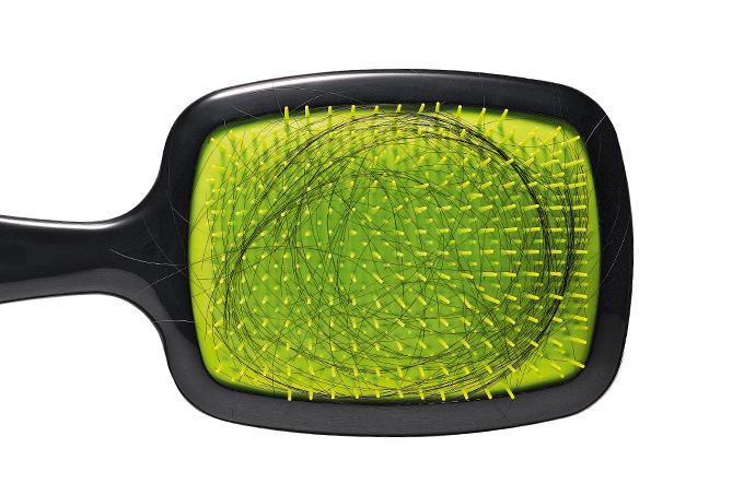 Queda de cabelo pode ser causada por doença