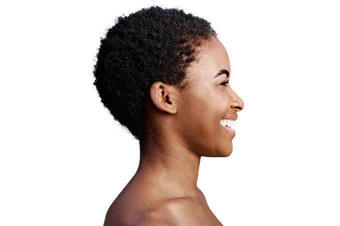 Descubra quais são os cuidados específicos para a pele negra
