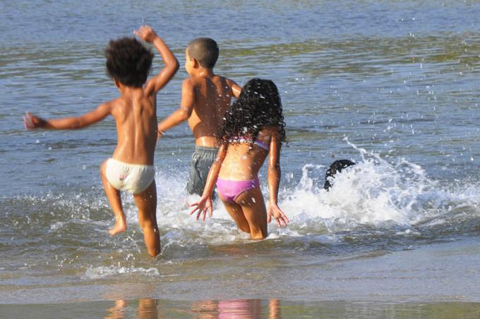 Protetor solar é indispensável para as crianças