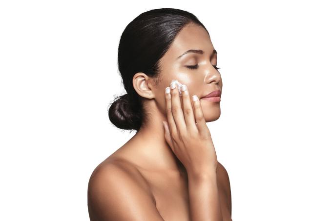 Como cuidar da pele no verão e no inverno