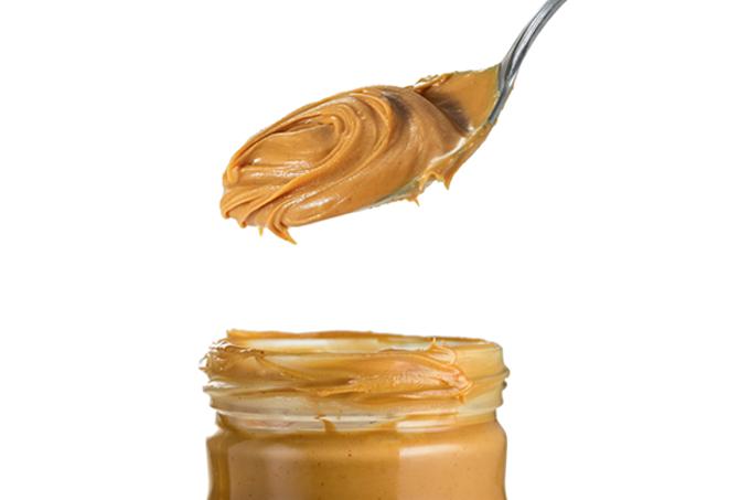 O melhor é fazer a pasta de amendoim em casa