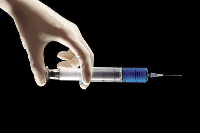 Quem chegou perto de alguém com sarampo precisa tomar dose de reforço da vacina?
