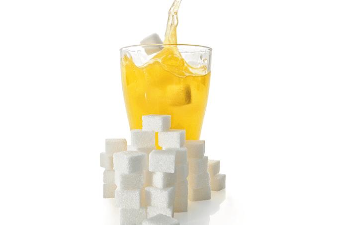 Taxação de bebidas com açúcar reduziria o consumo.