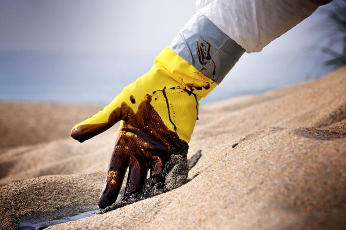 Praias com mancha de óleo