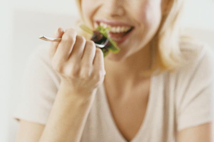 Alimentação tem tudo a ver com saúde oral
