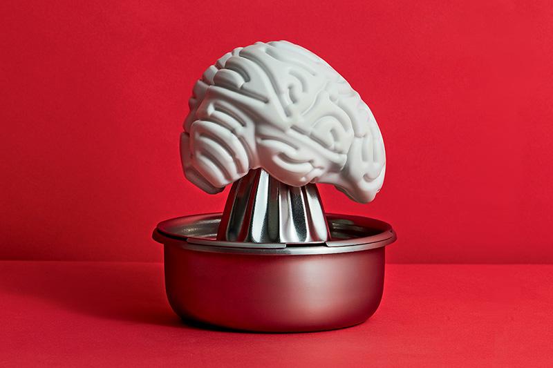 A cefaleia tensional se torna mais corriqueira a partir dos 40 anos de idade e melhora com a prática de exercícios.