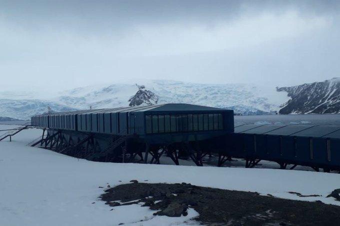 Base brasileira na Antártica