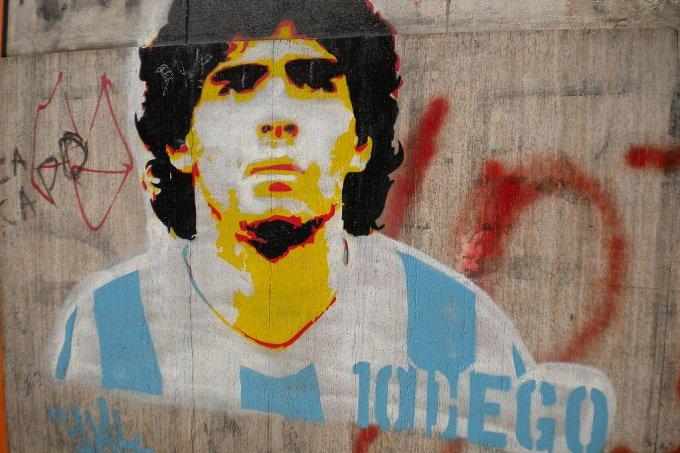 Causa da morte de Maradona: parada cardiorrespiratória