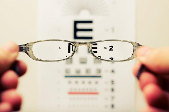 Causas e sintomas do astigmatismo
