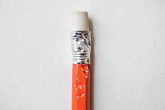 lápis mordido